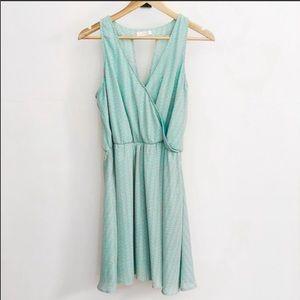 Lush Mint V-Neck Mini Dress-Size Large (EUC)